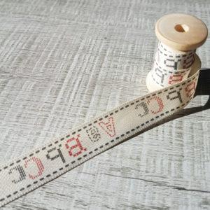 cinta-cosiendo letras