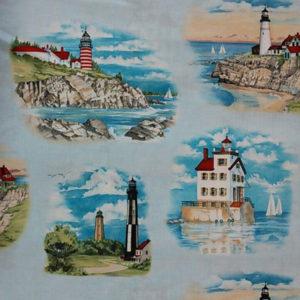 Tela Lighthouses diseñado por Paul Brent para Elisabeth´s Studio. Tiene una gran calidad y es de algodón 100%. La tela lo componen 6 imágenes diferentes de faros.