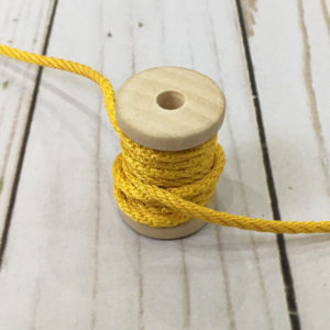 Cordón de rayón mediano amarillo huevo