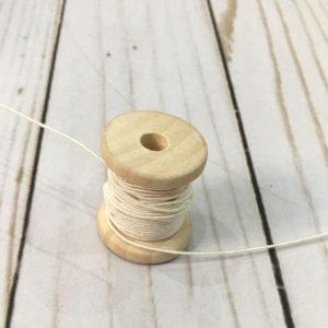 Cordón de rayón extra fino blanco