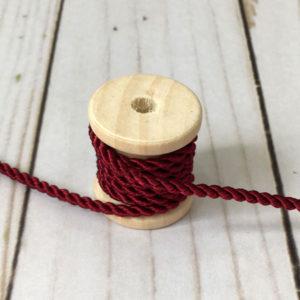 Cordón de rayón mediano granate