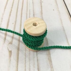 Cordón de rayón mediano verde hierba
