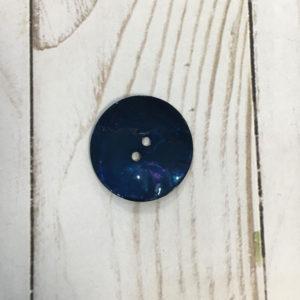 Botón nacarado azul marino