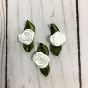 Aplicación para coser flores blancas
