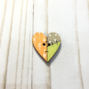 boton madera corazon naranja